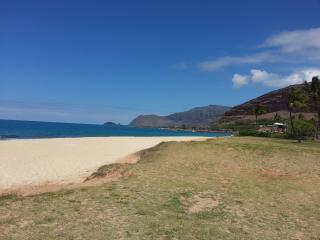 Near Beach, 2 Bedrm, 1 Bath, Kitchen, Dining, Livi, Waianae