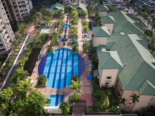 Resort Condo 1 - Pool View, Georgetown