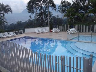 Medellin 3/3 Townhouse with Pool 0162
