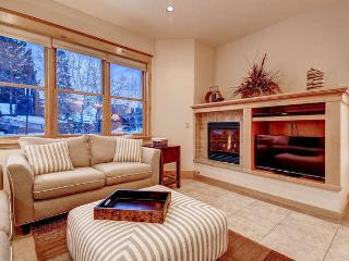French Street Retreat - 4 bd downtown with hot tub, Breckenridge