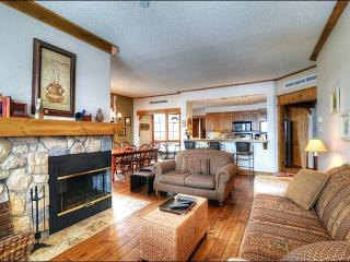 Five Minute Walk from Mont-Tremblant Village - Lovely Mountain & Forest Views (6195), Mont Tremblant