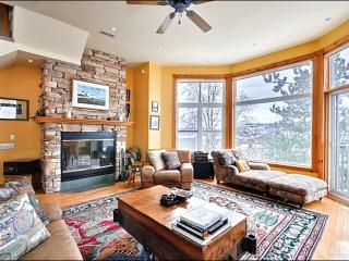 Beautiful Panoramic Views - Short Walk to Village Attractions (6202), Mont Tremblant
