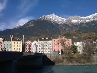 Innsbruck : bright apartment in the center
