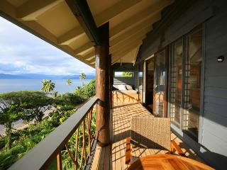The Pod House with marble pool, complete privacy, Savusavu