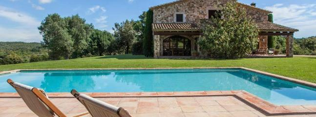 Amazing villa with total seclusion, Mont-ras