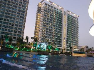 1BR Beach Paradise in the City WIFI Parking, Paranaque