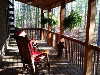 Sept 20-25th $100 OFFLarge LOG CABIN- private pets, Mill Spring