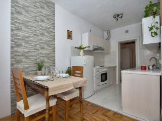 Cosy and modern apartment Mucrum, Makarska