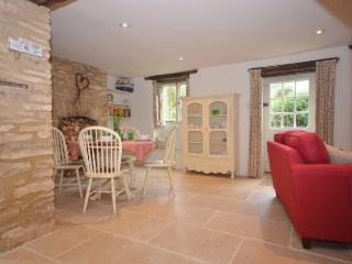 LITTL Cottage in Cirencester, Chedworth