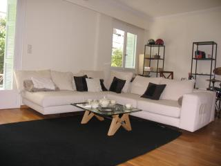 Athensstay charming apartment private garden-wifi, Neo Psychiko