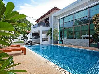 Chalong Sunshine Villa