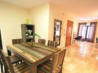 Luxury Apartments with 2BR in the Heart of Sevilla