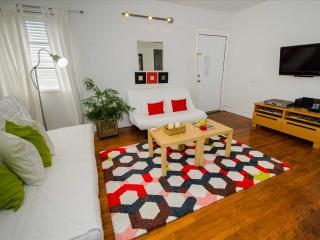 Beautiful 2-BR Apartment at the Historic Roads - Walking Distance to Metro-Rail, Miami