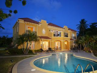 A short walk away from Mullins Beach, this is a villa with a view. With a delightful pool and outdoor shower, you may never want to make the 5- minute drive to Speightstown . RL SUN, Barbados