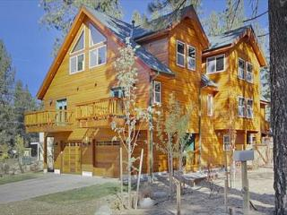 Deluxe Tahoe Property close to Gondola and Casinos, South Lake Tahoe