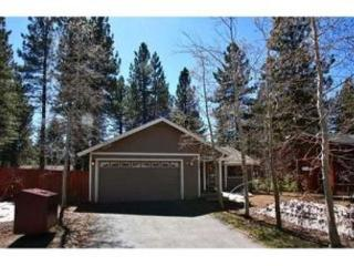 Remodeled home, great in town location with wifi, fenced backyard