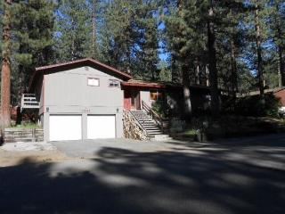 3241A-Tahoe cabin in great location close to skiing and town, South Lake Tahoe
