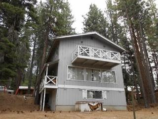 Large two story mountain home in the trees, close to Heavely Ski area, South Lake Tahoe