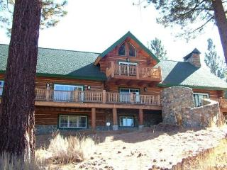 Huge Log home on a 16 acre lot, a unique Tahoe home in the pines., South Lake Tahoe