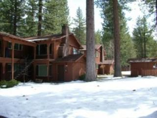 Great upgraded condo with summer pool, half block to free ski shuttle, walk to restuarants, South Lake Tahoe