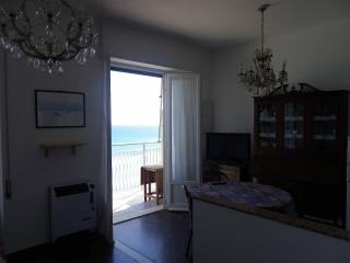 Beach front 4, two-rooms apartment, Pietra Ligure