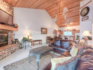 Escape to the Mountains Magnificent Chalet Free Wifi, shuttle to Big Sky Resort