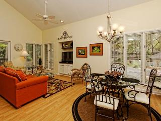 Recently Redecorated 1BR+Loft/2BA Pet Friendly Villa is the Perfect Getaway, Hilton Head