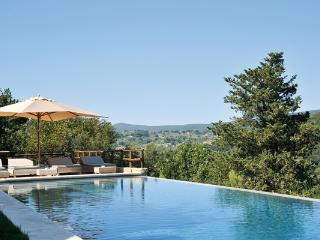 Sitting on the ruins of a watchtower, this villa has been carefully restored. HII TOR, Umbria