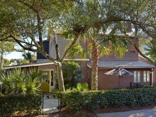 Cozy 1 bedroom apartment, just steps to the beach, Folly Beach