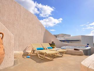 Once an 18th century canava, this villa has been meticulously restored. MED CYR, Santorini