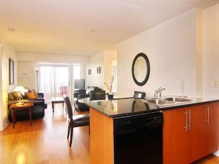 2 bedroom + Den Executive suites - Mississauga Ovation Towers