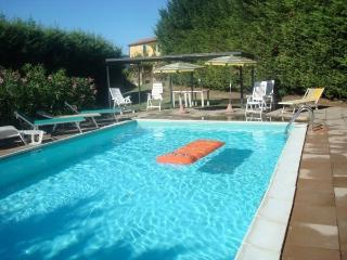 Apartment with pool & parking for 6 persons, Casole d'Elsa