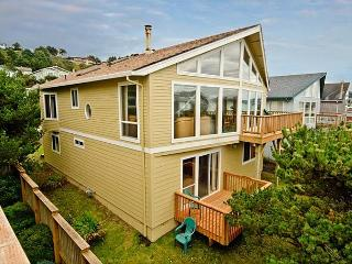 Spacious Ocean View Home. Perfect For Families, Lincoln City