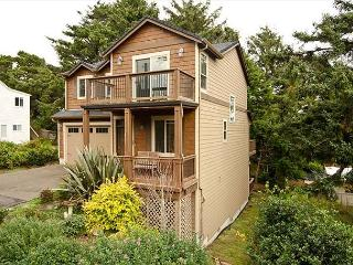Luxury Home in the Center of Lincoln City close to Outlet Mall