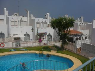 Lovely 3 Bed House in tropical gardens with pool, Mojacar