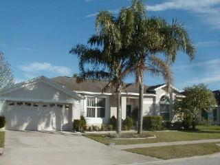 Large Private Pool Home - Minutes from Disney, Kissimmee