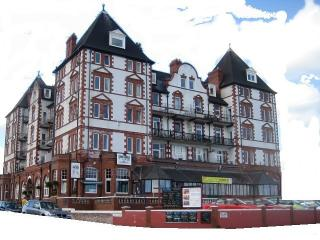 Metropole Towers, Whitby