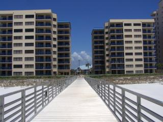 Four Seasons 104 (Ground Floor) Has Fishing Pier, Orange Beach