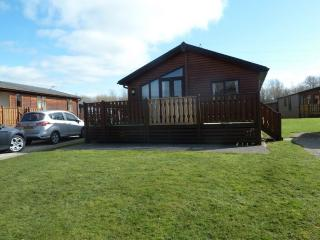 GRESSINGHAM LODGE, South Lakes Leisure Village, Carnforth, Yealand Conyers