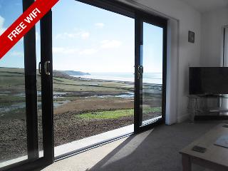 Holiday Home - The Glen, Newgale