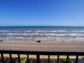 Delightful efficiency with an incredible view of the ocean!, Galveston Island