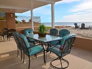 RATES REDUCED! Large Family Beach House on the Sand! Sleeps 8 to16 #099L, Dana Point