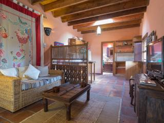 Cosy Studio w/ shared pool&jacuzzi, top location, Guime