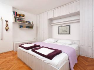 Comfy apartment in city center, Split