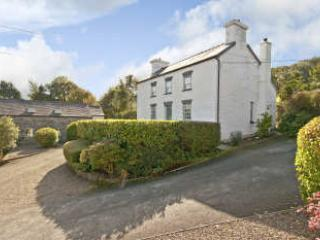 Ty Hen at Fron Fawr Cottages, Cardigan, Boncath