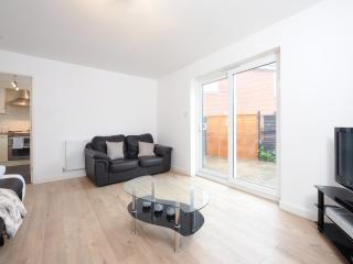 3 Bed House Nr City Sleeps 8 (b), Manchester