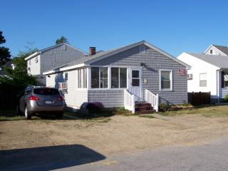Seabrook Beach NH 2-Units/AC/WiFi/Grills/Parking