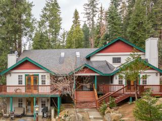 Centrally Located Inside Yosemite Park - just 14 Minutes away from Yosemite Valley.  Great for Families., Yosemite National Park