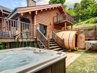 Grand Manitou 7 bedroom 5 bathroom Waterfront, Mont Tremblant