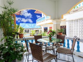 3 Bedroom Apt with Pool!, Patong